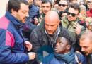 La storia dietro la foto di Salvini e l'ambulante pubblicata dal Corriere