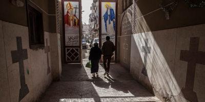 Egitto, bomba in una chiesa cristiana: muore un agente, due feriti