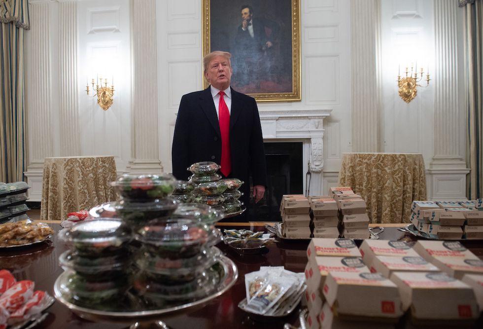 Risultati immagini per trump fast food casa bianca