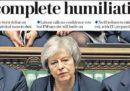 Le prime pagine dei quotidiani britannici dopo la sconfitta di May