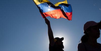 I venezuelani in tutto il Sudamerica stanno festeggiando Juan Guaidó