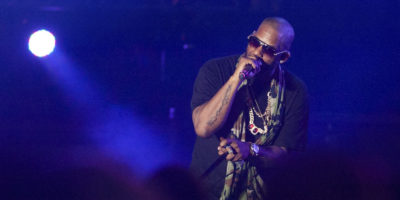 Video con minore accusa rapper R. Kelly