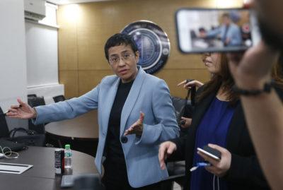 Maria Ressa, capo del sito di news filippino Rappler molto critico del presidente Duterte, è stata arrestata con l'accusa di diffamazione