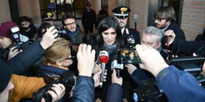 Cos'è la storia delle minacce a Chiara Appendino