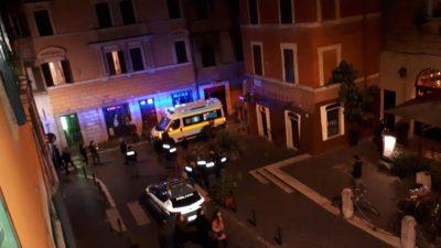 Tre persone sono state ferite durante una rissa tra tifosi di Lazio e Siviglia nel centro di Roma
