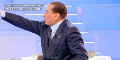 Berlusconi sul momento politico italiano: «Siete tutti pazzi!»