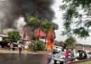 Domenica un piccolo aereo è precipitato su una casa in California, sono morte 5 persone