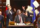 Il video della lite tra il PD e Roberto Fico alla Camera dei deputati