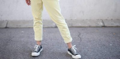 La moda delle caviglie scoperte d'inverno