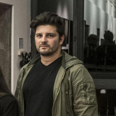 Il fotografo italiano Gabriele Micalizzi, ferito in Siria, tornerà oggi in Italia