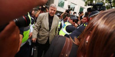 Il cardinale australiano George Pell è stato condannato per abusi sessuali
