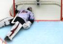 Anche a hockey è difficile trovare qualcuno che giochi in porta
