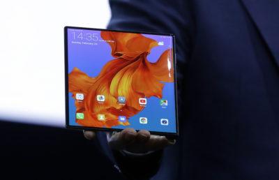 Anche Huawei ha fatto un telefono pieghevole