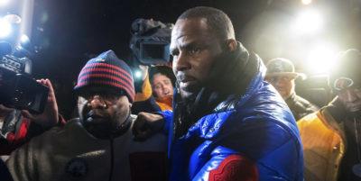 R. Kelly, nuovo arresto per il rapper: è accusato di pedopornografia