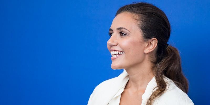 Sanremo 2019, Serena Rossi canta commossa Mimì: l'abbraccio con Loredana Bertè