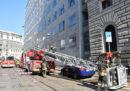 C'è un incendio in un palazzo in centro a Milano