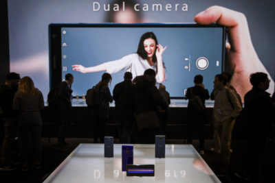 Sony produrrà tre smartphone con schermo 21:9