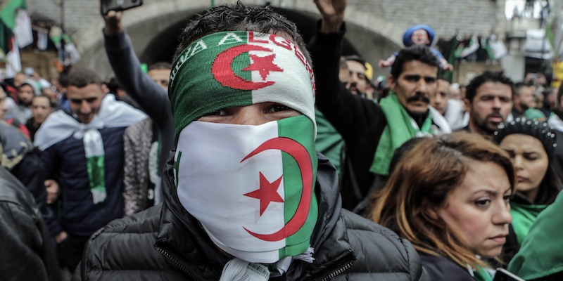 Algeria, fine di un'era: si è dimesso il presidente Bouteflika