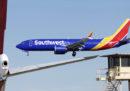 Un Boeing 737 MAX 8 ha fatto un atterraggio di emergenza a Orlando, in Florida