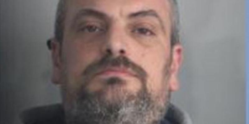 Èstato arrestato l'uomo che aveva dato fuoco all'auto in cui si trovava la sua ex moglie, a Reggio Calabria