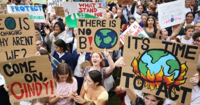 Le foto dalle manifestazioni per il clima