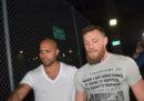 Il lottatore Conor McGregor è stato arrestato a Miami dopo aver distrutto il telefono di un suo fan