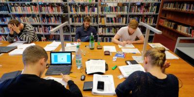 """Gli studenti del programma Erasmus+ nel Regno Unito saranno garantiti anche in caso di """"no deal"""""""