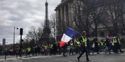 Il primo ministro francese Edouard Philippe ha vietato le manifestazioni dei gilet gialli in alcune zone di Parigi, Bordeaux e Tolosa