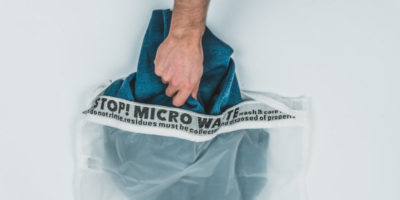 Due oggetti per spargere in giro meno microplastiche