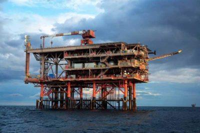 C'è stato un incidente su una piattaforma petrolifera al largo di Ancona: ci sono un morto e due feriti