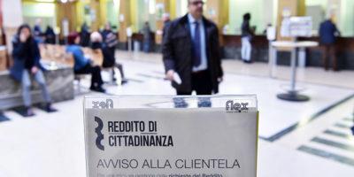 Poste italiane ha detto che sono state presentate presso i suoi uffici 35.653 richiesteper il reddito di cittadinanza