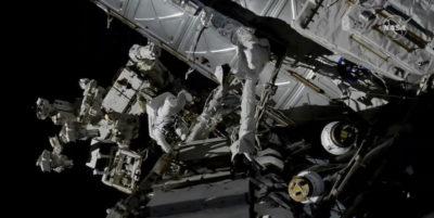 La diretta della passeggiata nello spazio di due astronauti della Stazione spaziale internazionale