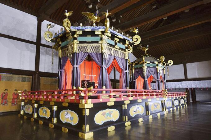 Il Takamikura il trono imperiale