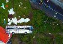 Un autobus di turisti tedeschi è uscito di strada a Madeira, ci sono almeno 29 morti