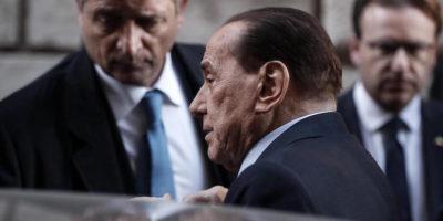 Silvio Berlusconi è stato operato all'ospedale San Raffaele di Milano per occlusione intestinale