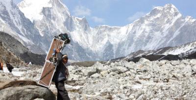 I problemi delle bombole d'ossigeno sull'Everest