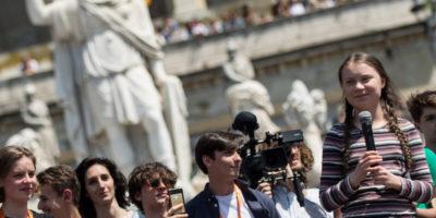Le foto di Greta Thunberg e della manifestazione per il clima a Roma
