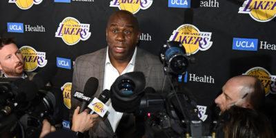 Magic Johnson si è dimesso da presidente dei Los Angeles Lakers