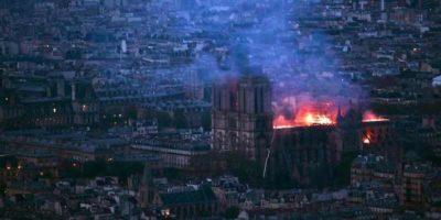 Le foto dell'incendio a Notre-Dame