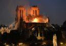 Il grande incendio a Notre-Dame