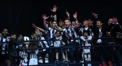 Il PAOK di Salonicco ha vinto il campionato di calcio greco, 34 anni dopo l'ultima volta