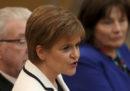 La prima ministra scozzese Nicola Sturgeon ha proposto che si faccia un nuovo referendum sull'indipendenza della Scozia