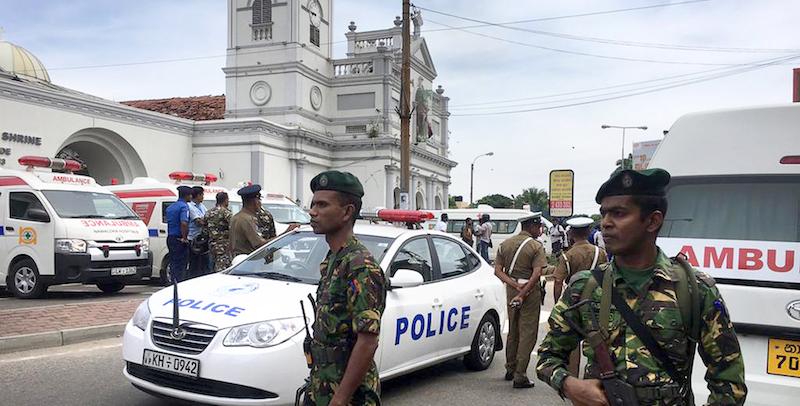 Sri Lanka, bombe contro tre chiese e tre hotel: 80 feriti