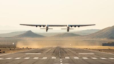 Il volo di test dell'aereo più grande del mondo è andato bene