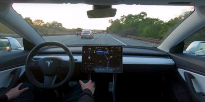 Nessuno guiderà una Tesla