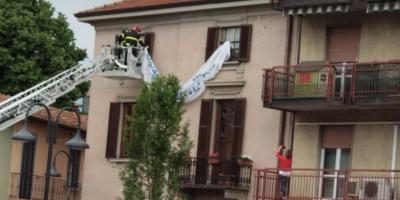 """L'ordine di rimuovere lo striscione contro Salvini è arrivato """"da molto in alto"""", dice un sindacalista"""
