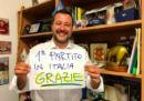 Cosa abbiamo trovato nella foto twittata da Salvini domenica sera