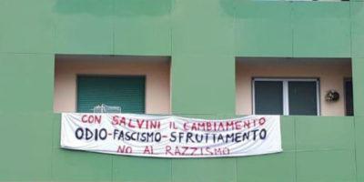 Perché la polizia fa rimuovere gli striscioni contro Salvini