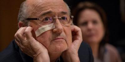 Sepp Blatter rivuole i suoi orologi