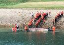 Almeno 10 persone sono morte nel ribaltamento di una barca nel sud-ovest della Cina